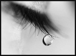 Tears-eyes-16143904-500-368